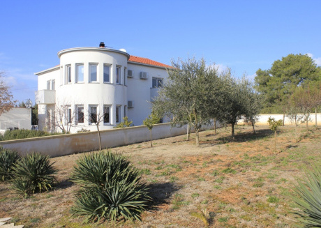 Cozy apartment close to the center of Biograd na Moru with Parking, Internet, Air conditioning, Balcony