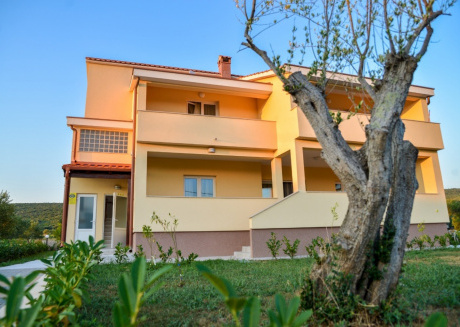 Spacious apartment in the center of Sveti Petar na Moru with Parking, Internet, Air conditioning, Balcony