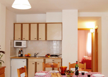 Cozy apartment a short walk away (136 m) from the