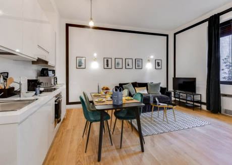 Cozy apartment in the center of Milan with Lift, Internet, Washing machine, Air conditioning