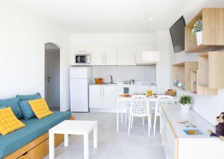 Cozy apartment in Torroella de Montgrí with Lift, Parking, Internet, Pool