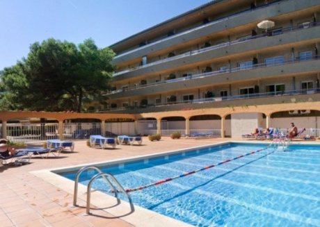 Cozy apartment in Torroella de Montgrí with Lift, Parking, Washing machine, Air conditioning