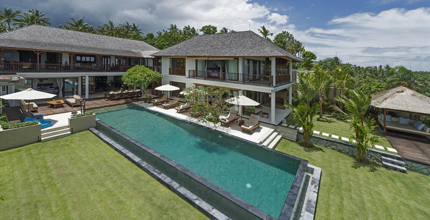 You Will Love This Luxury 4 Bedroom Villa with ... Slide-1
