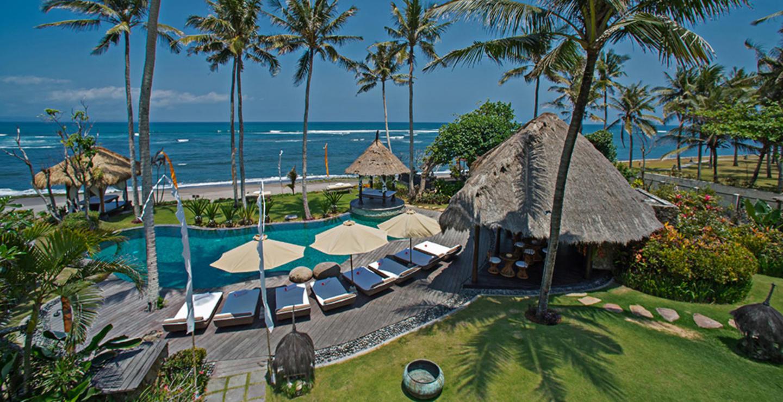 You Will Love This Luxury Villa in a Prime Loca... Slide-1