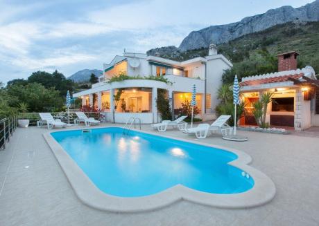 Spacious villa in Makarska with Parking, Internet, Washing machine, Air conditioning