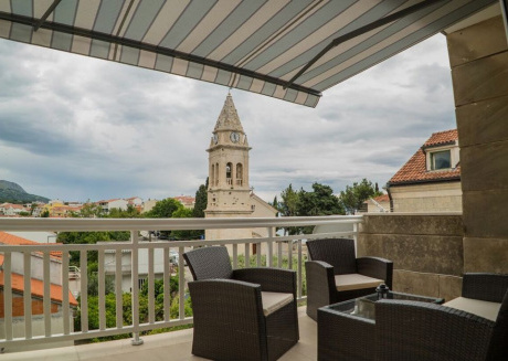 Spacious apartment in the center of Stobreč with Internet, Washing machine, Air conditioning, Balcony