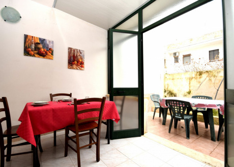 Cozy apartment in the center of San Foca with Parking, Washing machine, Garden, Terrace