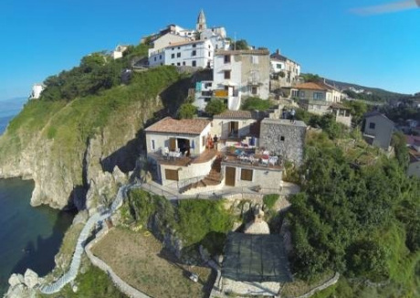 Cozy house in the center of Vrbnik with Parking, Internet, Washing machine, Air conditioning