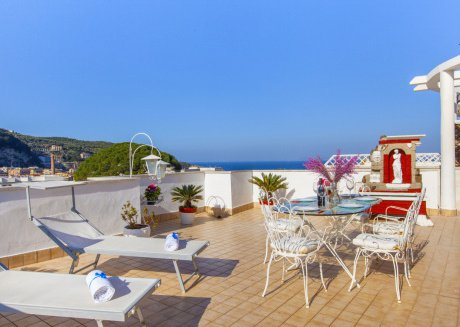 Cozy apartment in the center of Sorrento with Internet, Washing machine, Air conditioning, Pool