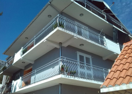 Cozy apartment very close to the centre of Kaštel Sućurac with Parking, Internet, Washing machine, Air conditioning