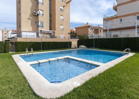 Spacious apartment a short walk away (216 m) from the