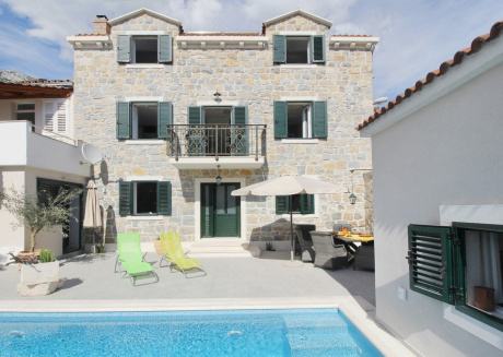 Spacious villa in the center of Makarska with Parking, Internet, Washing machine, Air conditioning