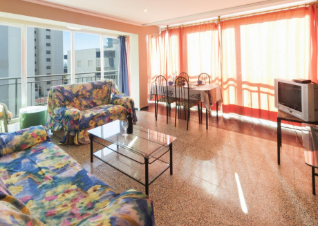 Spacious apartment in the center of Grau i Platja with Lift, Washing machine, Air conditioning