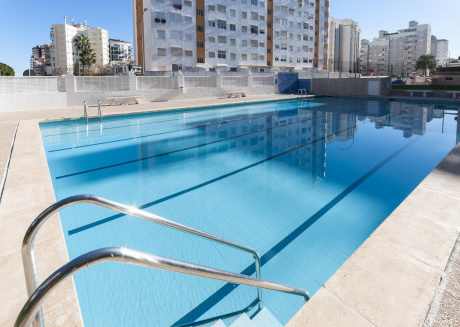 Spacious apartment in the center of Grau i Platja with Lift, Washing machine, Pool, Terrace