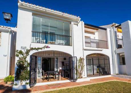 Cozy apartment in the center of Sitio de Calahonda with Parking, Internet, Washing machine, Air conditioning