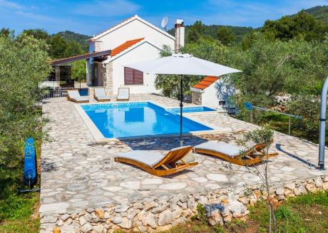 Cozy villa in Vela Luka with Parking, Internet, Washing machine, Air conditioning