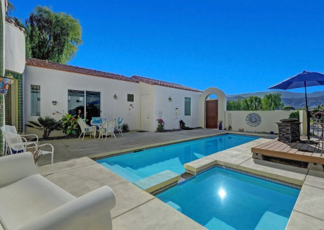 Cozy house close to the center of Cathedral City with Internet, Air conditioning, Pool