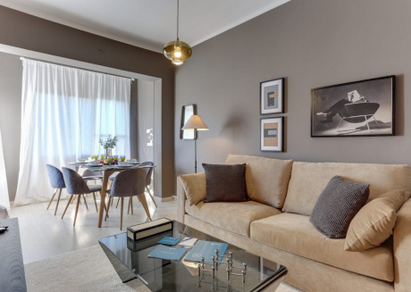 Spacious apartment close to the center of Barcelona with Lift, Internet, Washing machine, Terrace