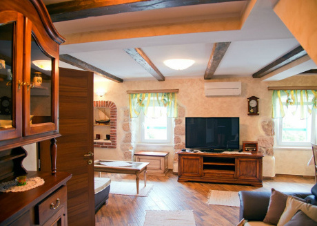 Spacious apartment in the center of Baška with Parking, Internet, Washing machine, Air conditioning