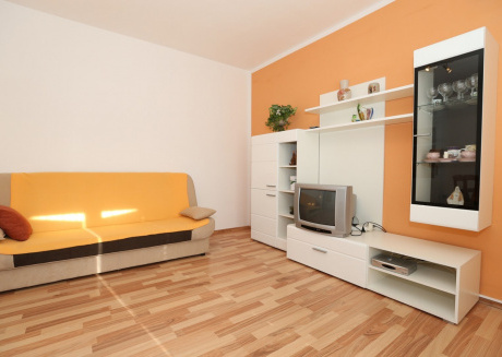 Spacious apartment in the center of Baška with Parking, Internet, Air conditioning, Balcony