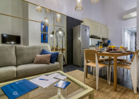 Spacious apartment in the center of Barcelona with Lift, Internet