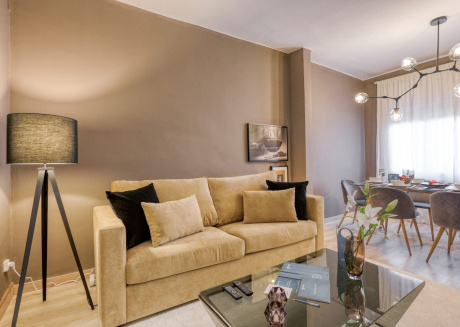 Spacious apartment close to the center of Barcelona with Lift, Internet, Air conditioning