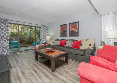 Spacious updated 2 Bedroom Treetops Villa, Free Bicycles, Pool, Tennis