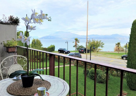 18 5 STAR WITH LAKE VIEW AND PRIVATE BEACH