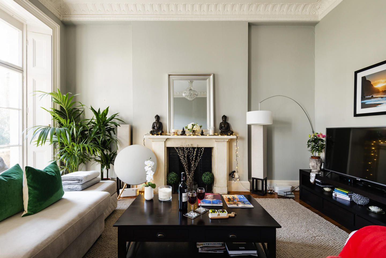 Stunning Eccleston Square Apartment - ABT Slide-1