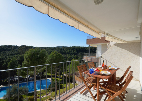 Cozy apartment in Palafrugell with Parking, Washing machine, Pool, Terrace