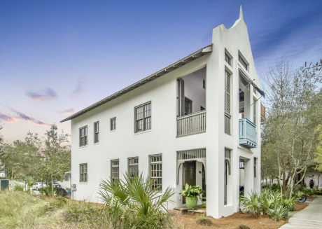Carlin Ward Cottage - Gorgeous home ready for your Rosemary Beach Vacation!