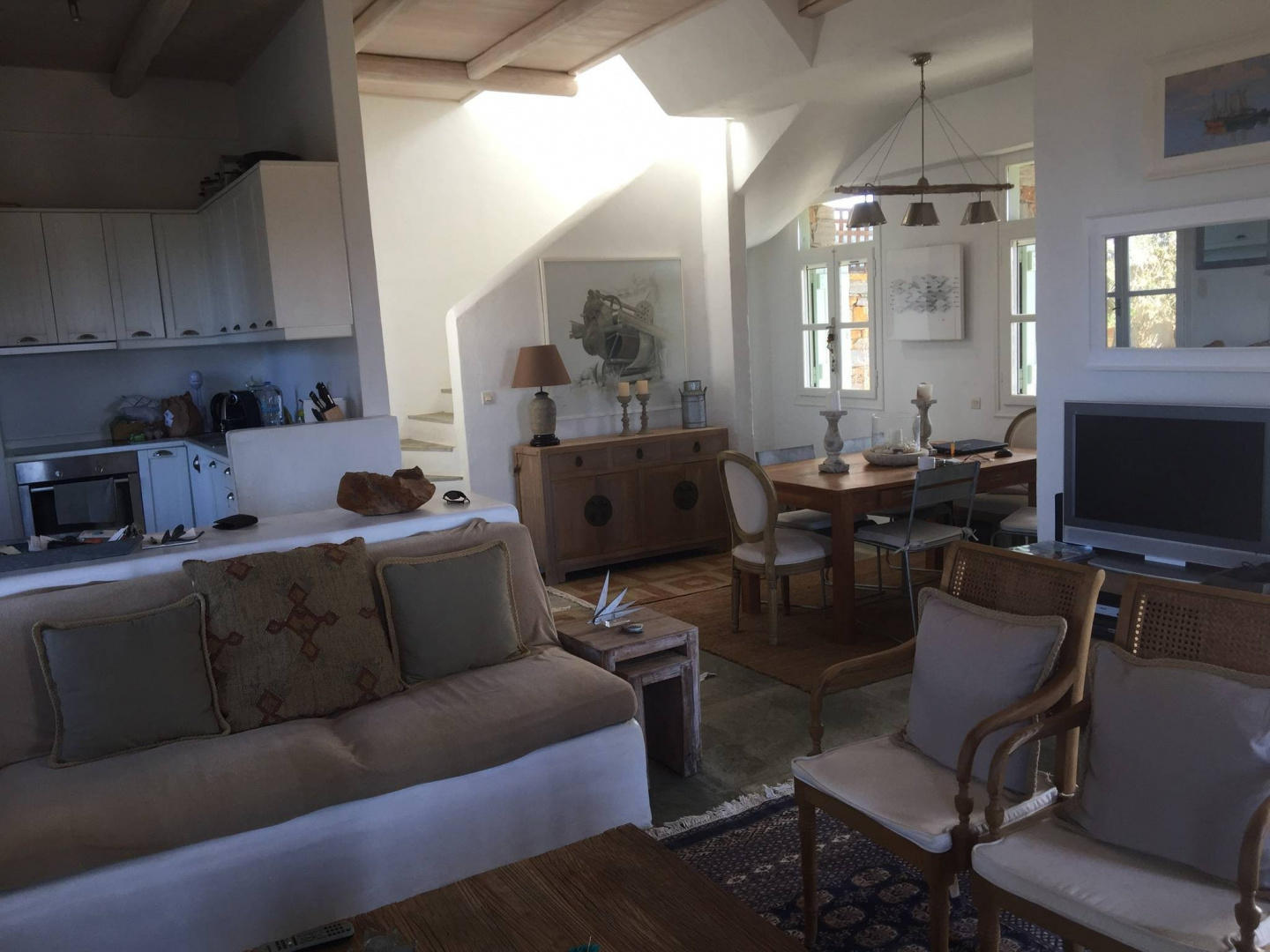 Spacious house in Ioulis with Internet, Washing... Slide-3