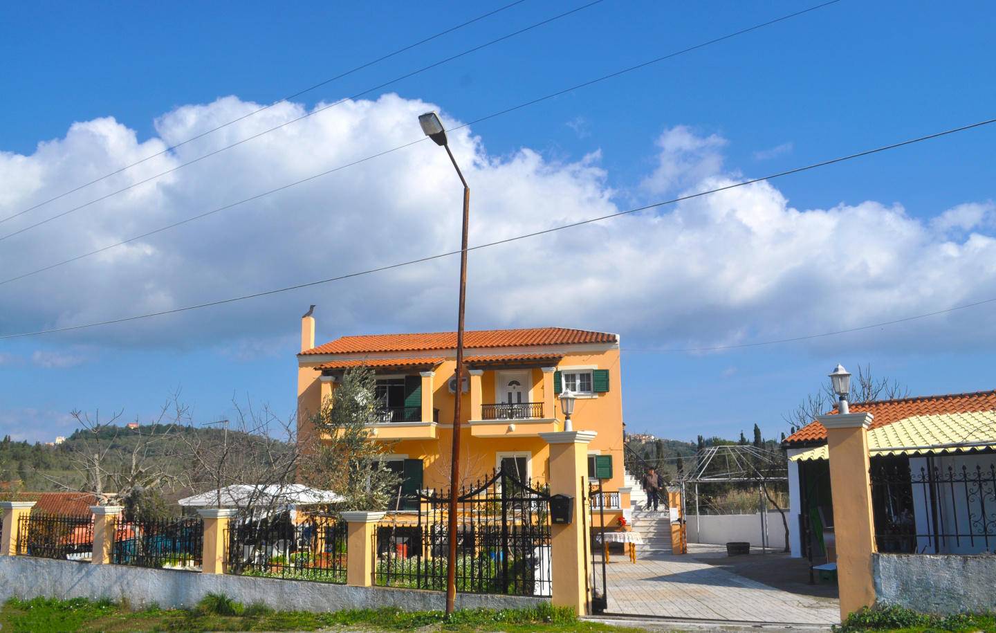 Spacious apartment in Corfu with Internet, Wash... Slide-2