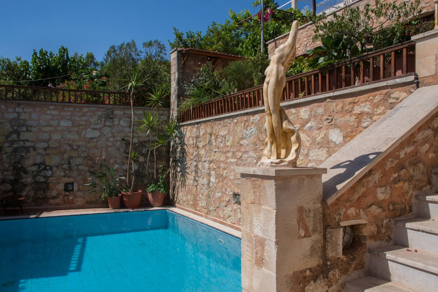 Spacious house in Chania with Internet, Balcony... Slide-3