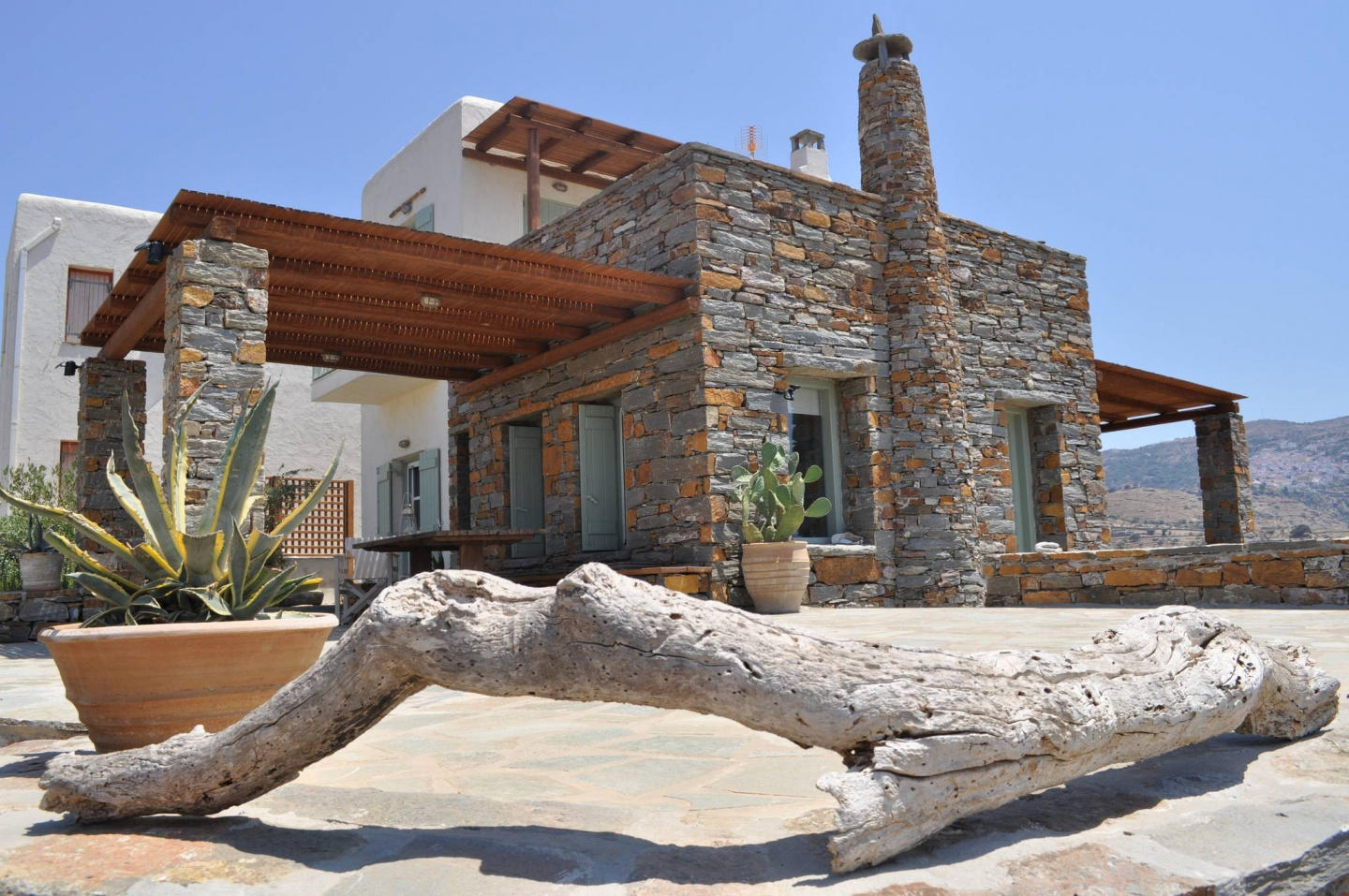 Spacious house in Ioulis with Internet, Washing... Slide-1