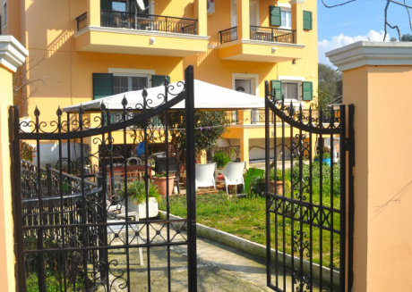 Spacious apartment in Corfu with Internet, Washing machine, Balcony, Garden