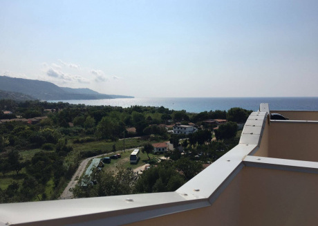 Spacious house in Zambrone with Internet, Washing machine, Air conditioning, Balcony