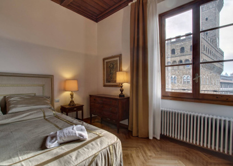 Spacious apartment in the center of Florence with Lift, Internet, Washing machine