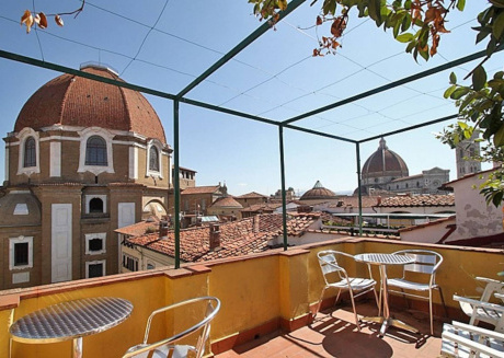 Spacious apartment in the center of Florence with Lift, Internet, Washing machine, Terrace