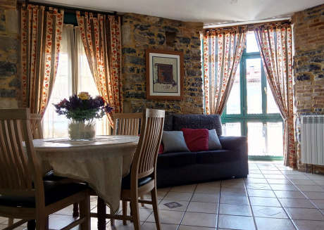 Spacious apartment in the center of Villaviciosa with Lift, Internet, Washing machine, Balcony