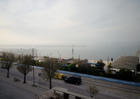 Cozy apartment very close to the centre of Marotta with Lift, Washing machine, Balcony