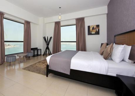 Spacious Sea View Family Living Plus Maid's Room