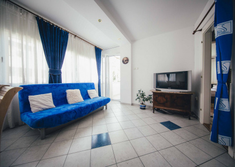 Spacious apartment very close to the centre of Split with Internet, Washing machine, Air conditioning, Terrace