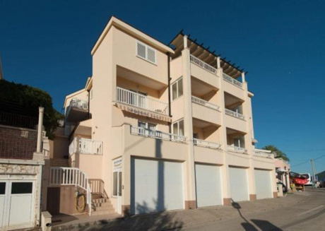 Cozy apartment close to the center of Neum with Parking, Internet, Air conditioning, Balcony