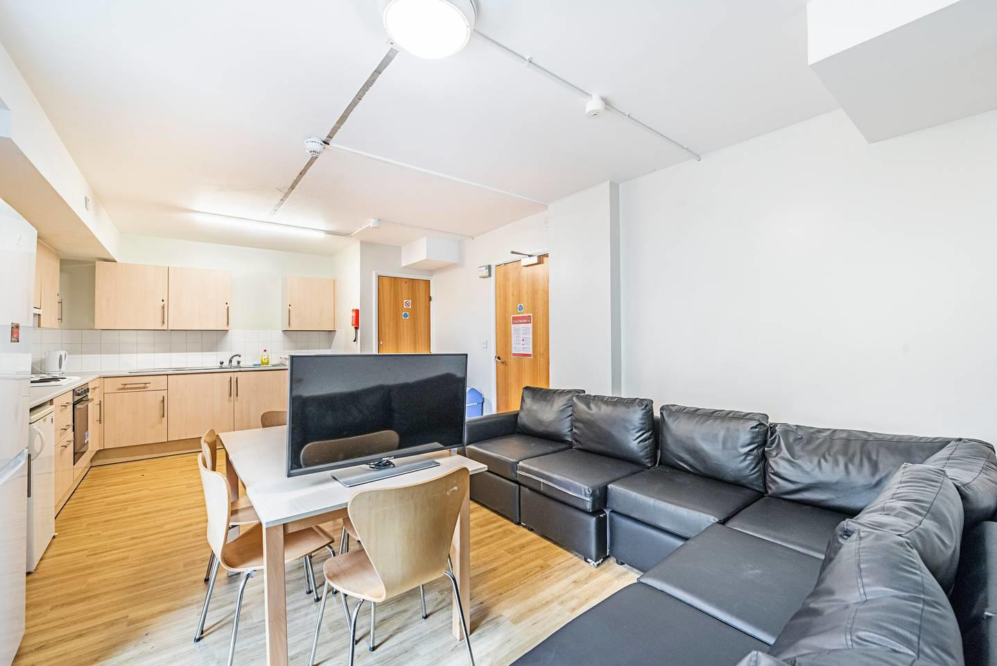 New Cross 208 B · Single Private Room In A Gre... Slide-3