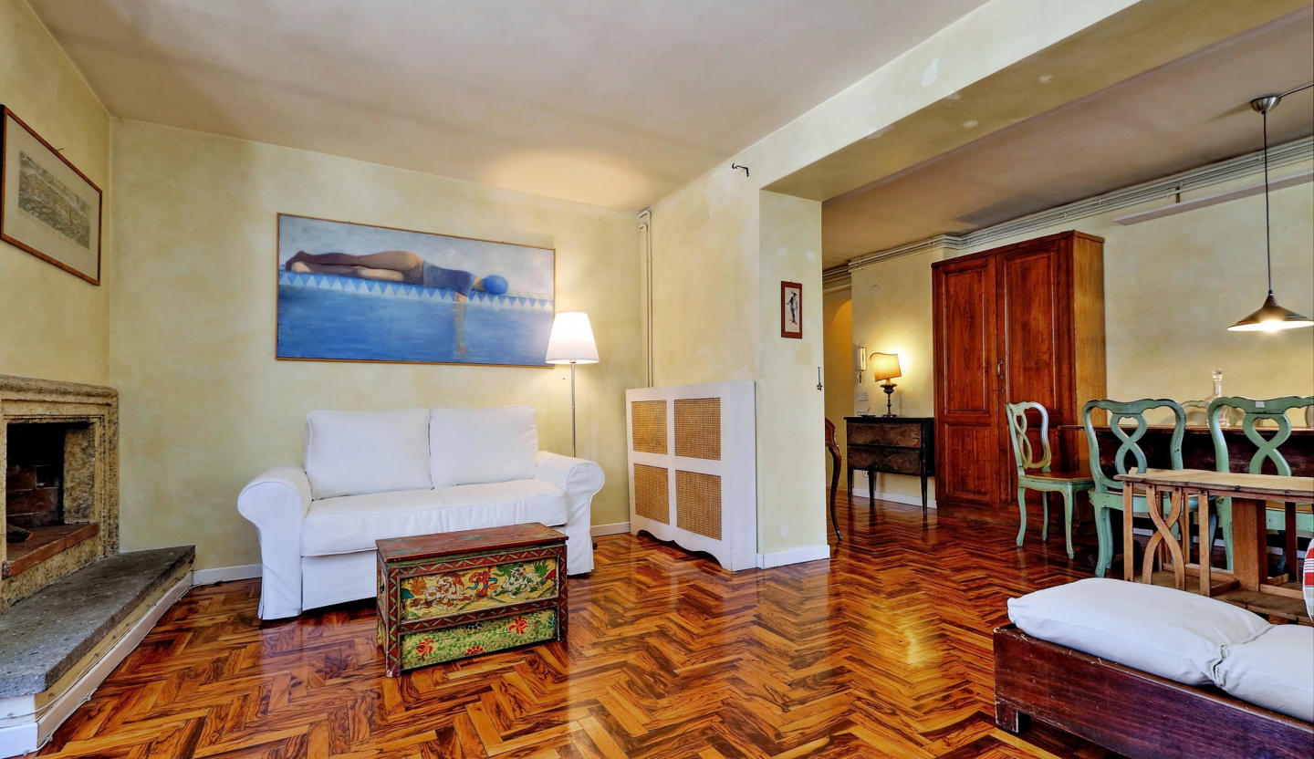 Cozy apartment in the center of Rome with Lift,... Slide-2