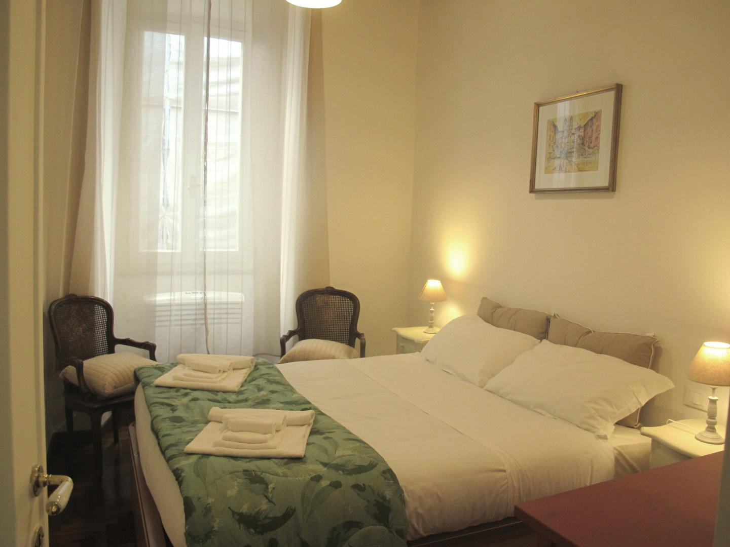 Cozy apartment in the center of Rome with Inter... Slide-1