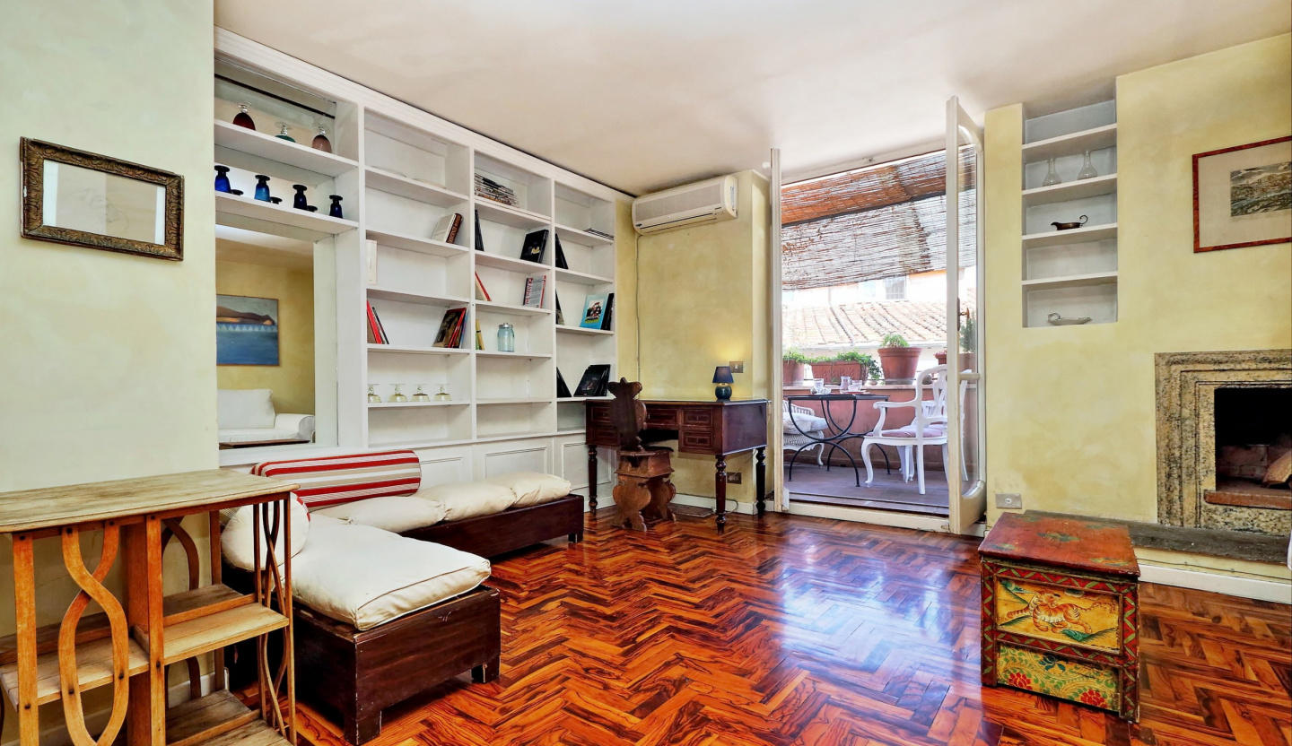 Cozy apartment in the center of Rome with Lift,... Slide-3