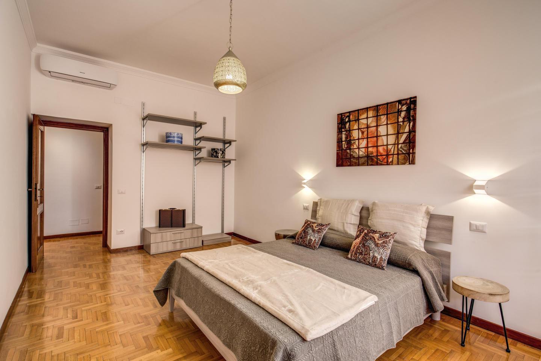 Apartment de Luxe Slide-2