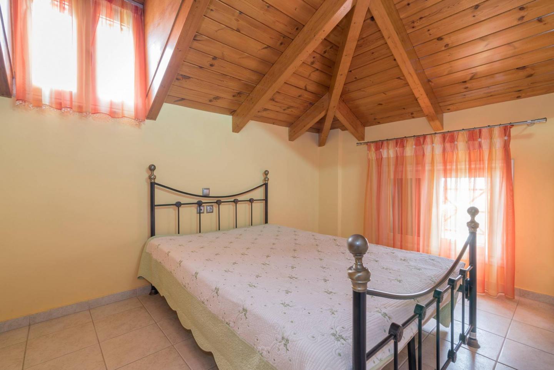 'Gipsolithos Apartment' close to Zante Town Slide-3